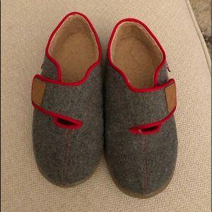 See Kai Run slipper/shoes